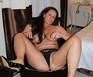 Cheating milf giving awesome blowjobs - part 1386