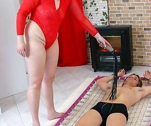 Catwoman becomes a mature slut - part 2191