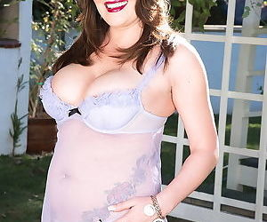 Ciara ryder mature lady shows sweet natual tits - part 3208