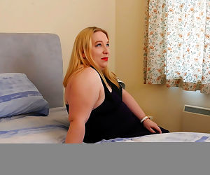 Curvy british housewife getting wet in bed - part 10