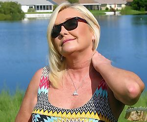 Amateur blonde soccer mom milf - paris from true amateur m - part 9