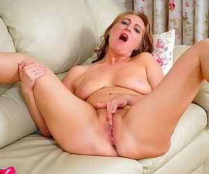 Marta show its body at scene watch me - part 14