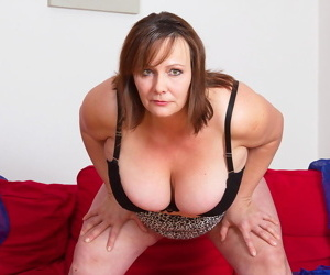 Big breasted mama showing her hot stuff - part 506