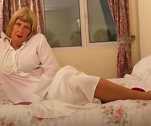 Horny british chubby mama getting very dirty - part 3421