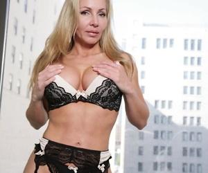 Older blonde lady Lisa decides time is right for nude modeling debut