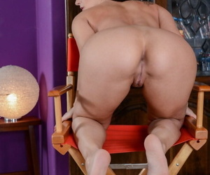 Bold brunette MILF Sheena Ryder bares her tiny tits & spreads for closeup view