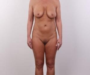 Mature mom Milena doffs her clothing for her amateur porn casting shoot