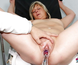 Mature at the Gyno getting her tight asshole & pussy stuffed with toys