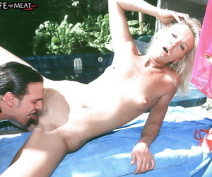Houseiwfe Vanessa pool fucked by step son and jizzed hard