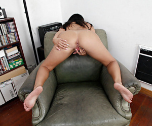 Sexy Latina babe Serenity Knox demonstrates her mature ass in panties