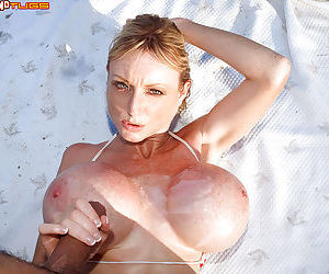 Mature Euro beach bunny Morgan Leigh sheds bikini for outdoor tit fuck