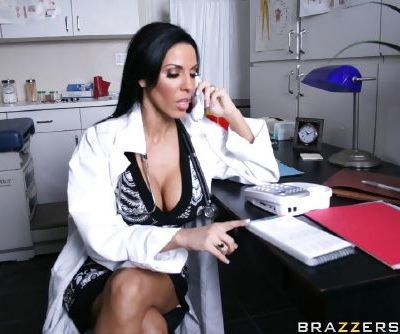 Hot babe Veronica Rayne is fucking hardcore in her doctor\'s office