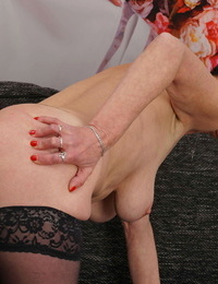 Nasty mature woman elana playing on her bed with herself - part 3107