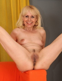 Scorching mature Koko Blond unclothes to opened up hairless pussy & take Big black cock deep inwards