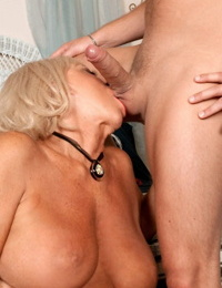 Light-haired mature chick Mandi McGraw liking anal invasion sex with her younger paramour